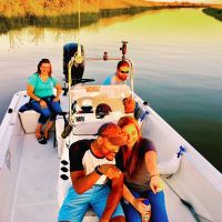 111111-lovely-family-napa-valley-boat-ride-002.jpg
